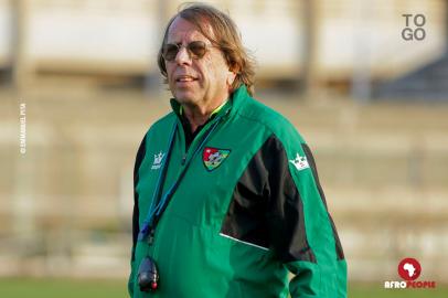 « Claude Le Roy n'est pas un magicien », l'agent de Nicolas Pépé s'en prend aux joueurs togolais